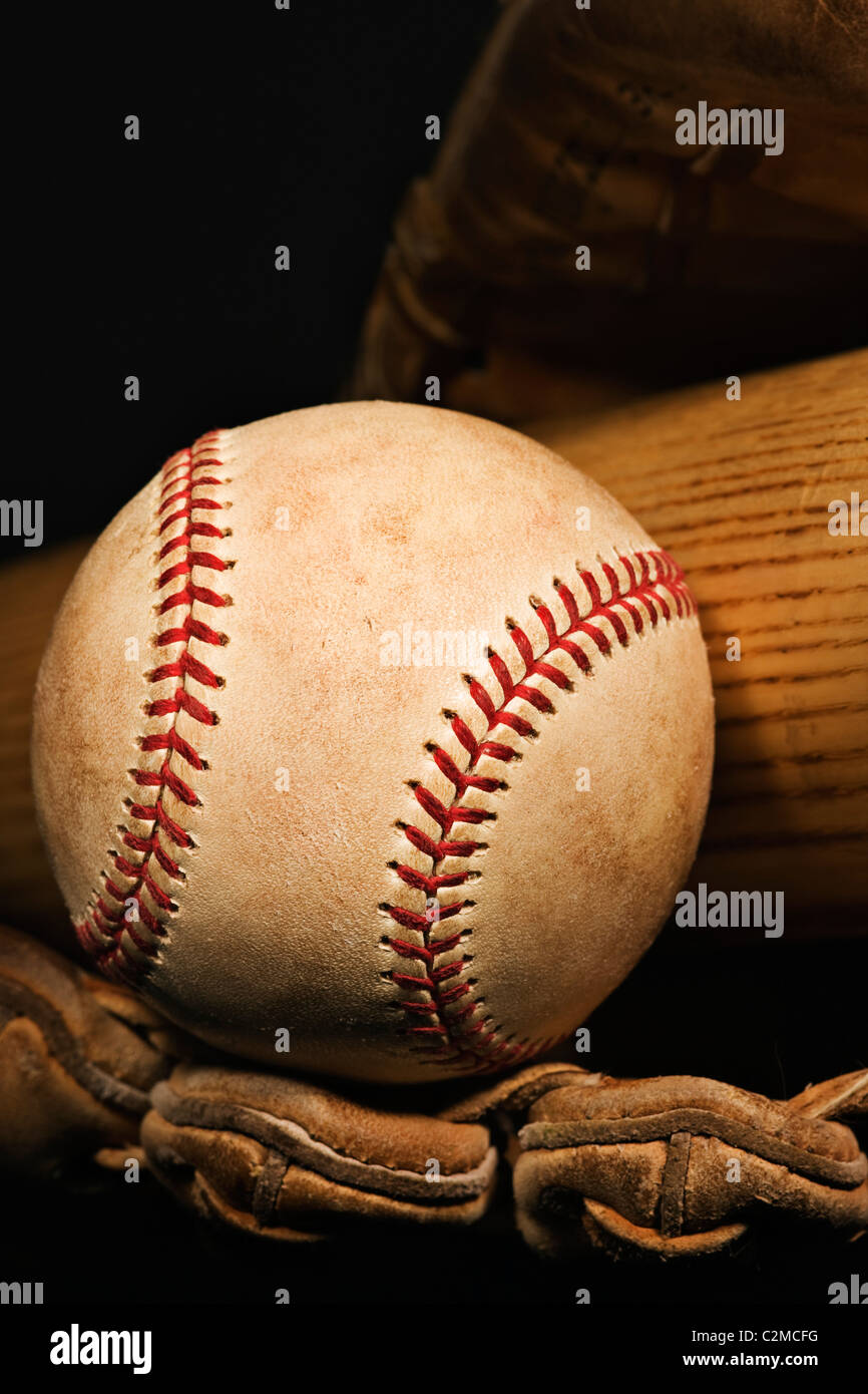 Vintage Baseball Glove, Bat And Ball - Stock Image