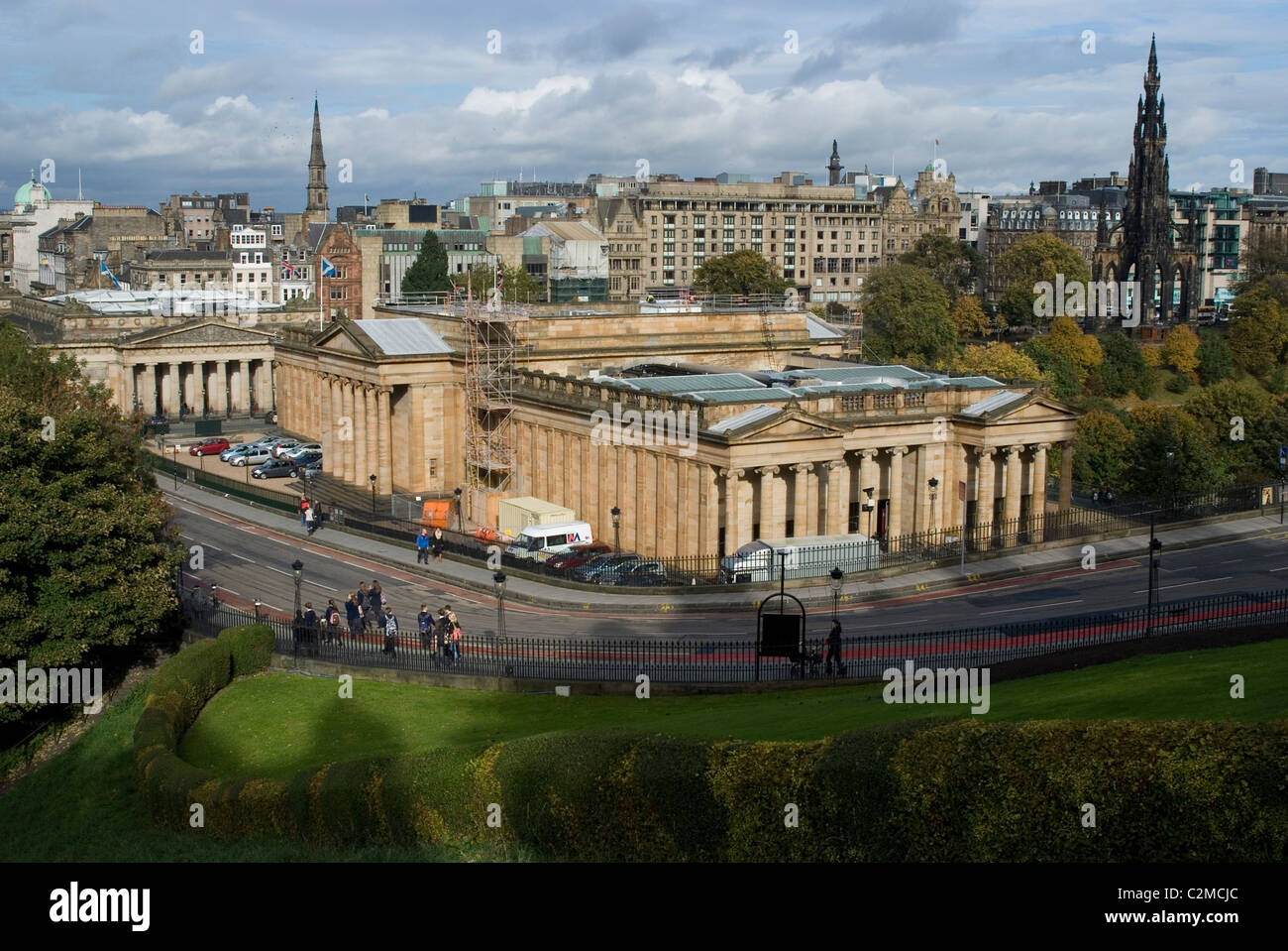 The National Gallery of Scotland seen from the Royal Mile, Edinburgh. Stock Photo