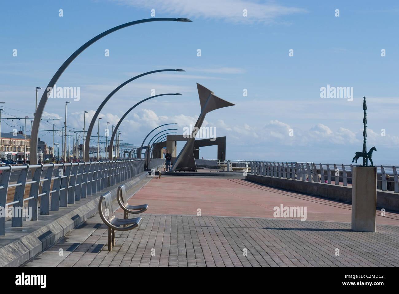South Shore Promenade, Blackpool, Lancashire, England. Swivelling windshelters. - Stock Image