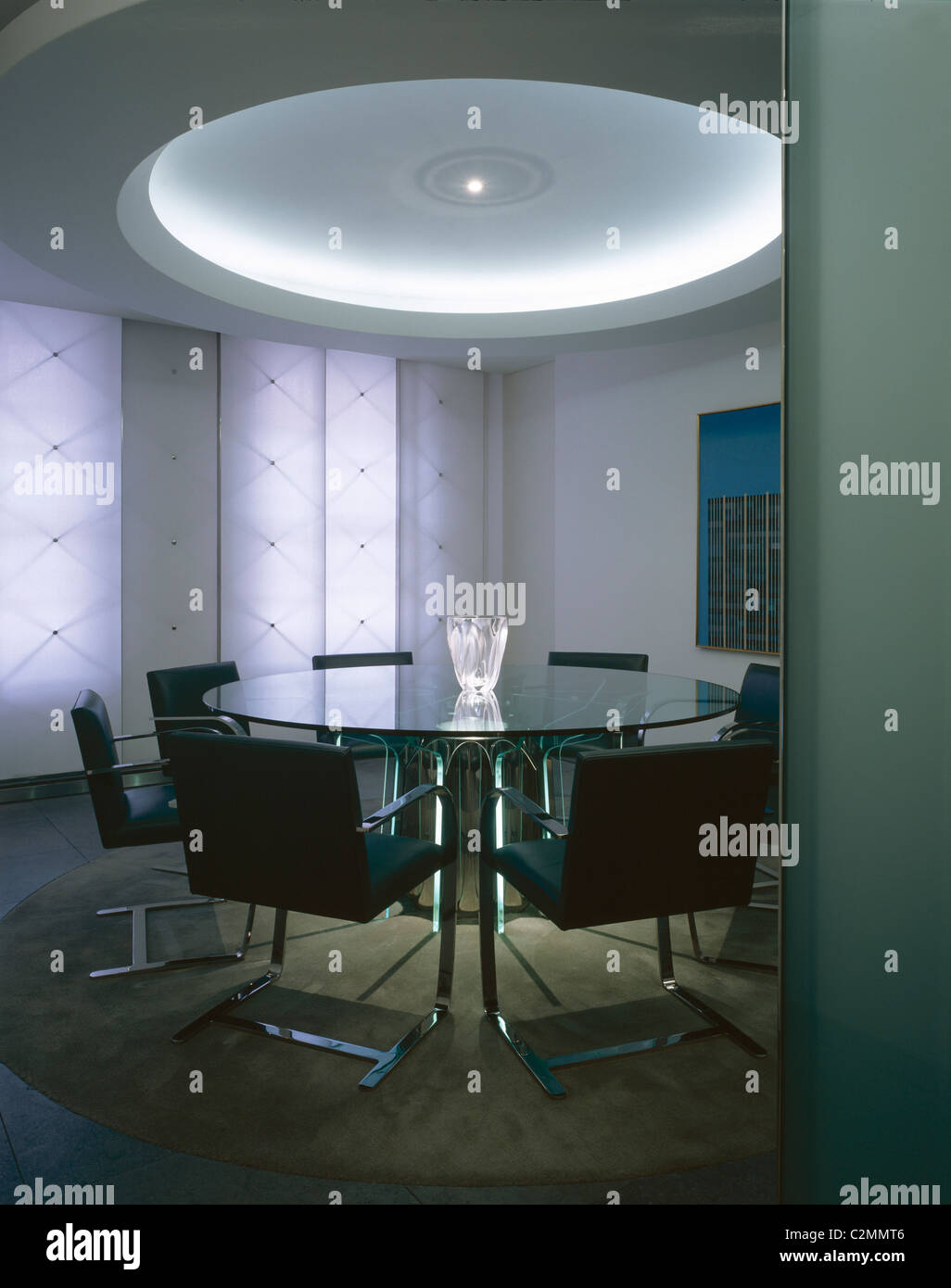 Dining room with fabric covered blinds, apartment Mayfair - Stock Image