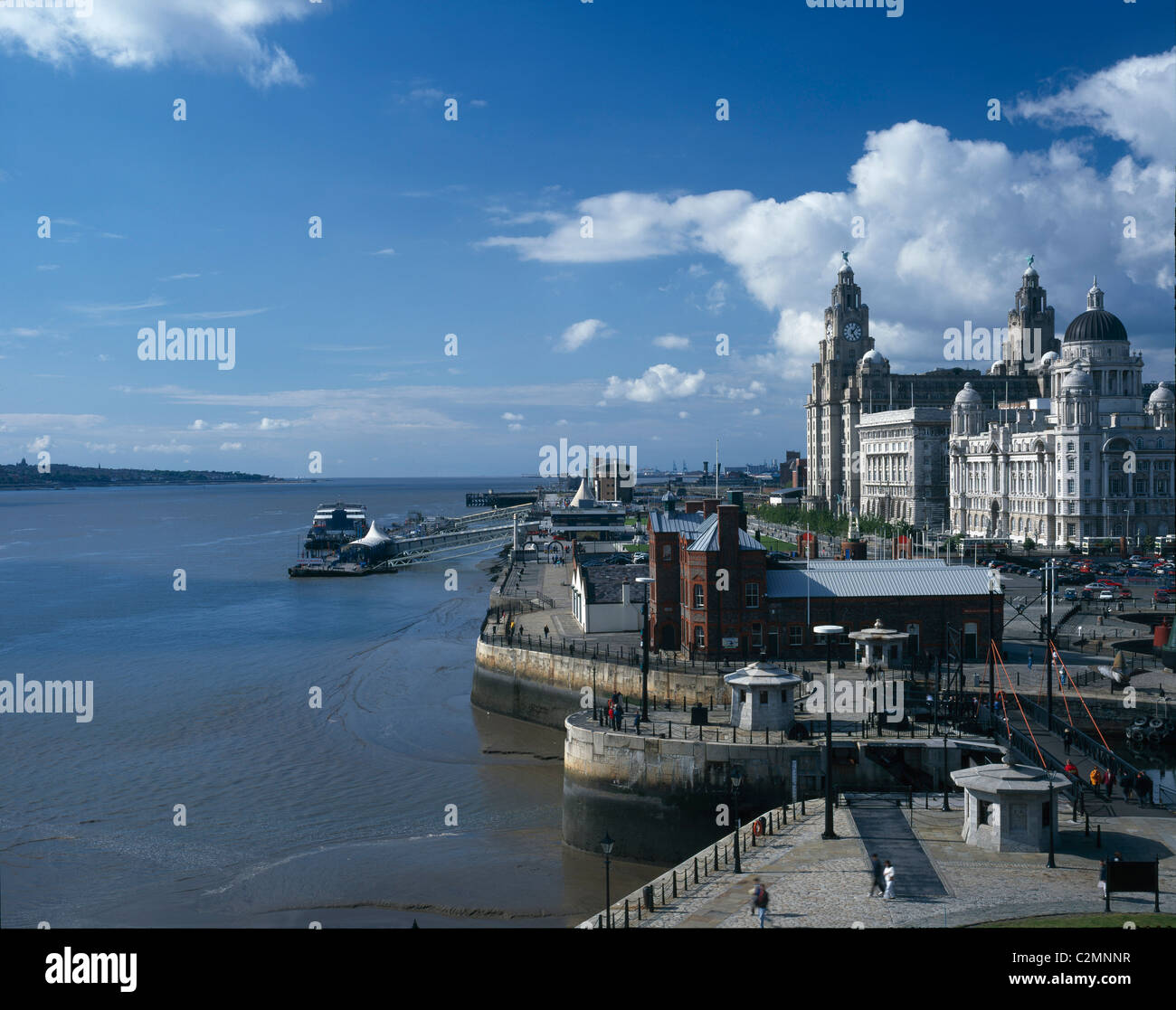 The Royal Liver Building overlooking the River Mersey, Liverpool, 1911. - Stock Image