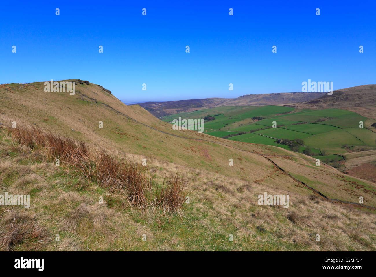Mount Famine and distant Kinder Scout, Hayfield, Derbyshire, Peak District National Park, England, UK. - Stock Image