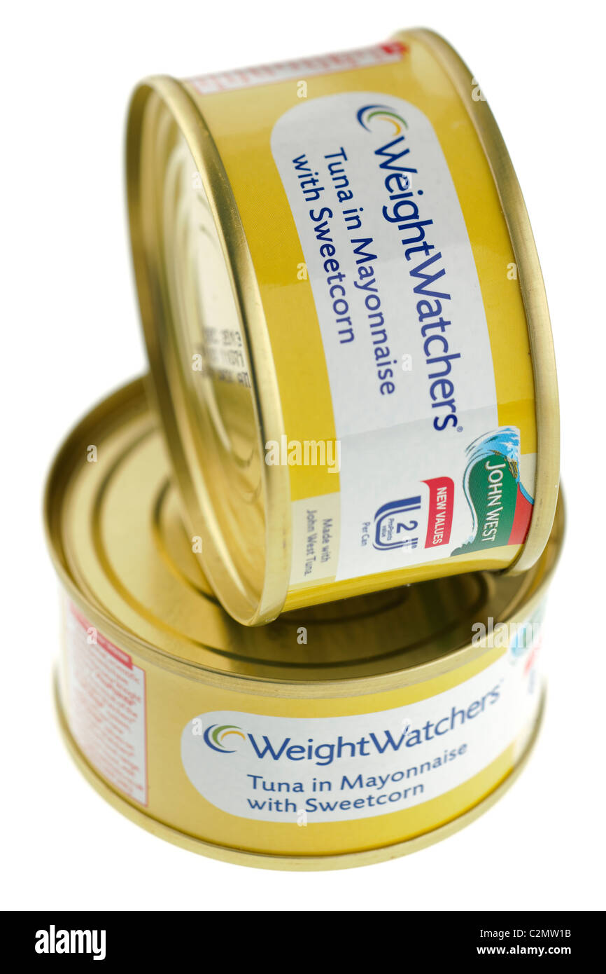 Two cans of Weight Watchers tuna in Mayonnaise with sweetcorn - Stock Image
