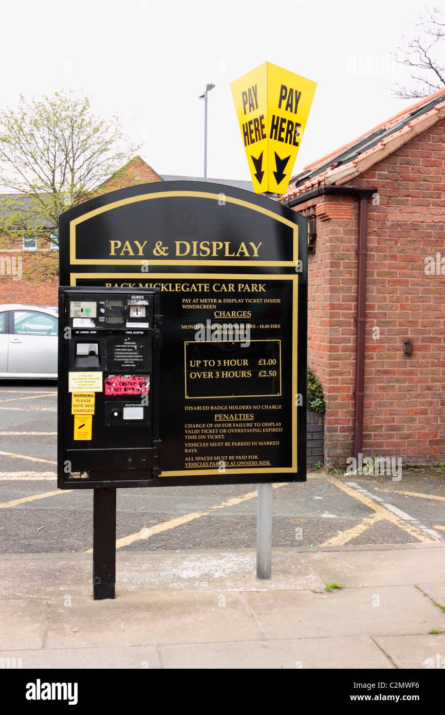 Pay and Display Pay Station, Back Micklegate, Selby - Stock Image