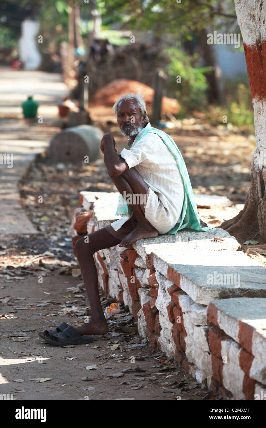 Old Man Sitting India High Resolution Stock Photography and Images - Alamy