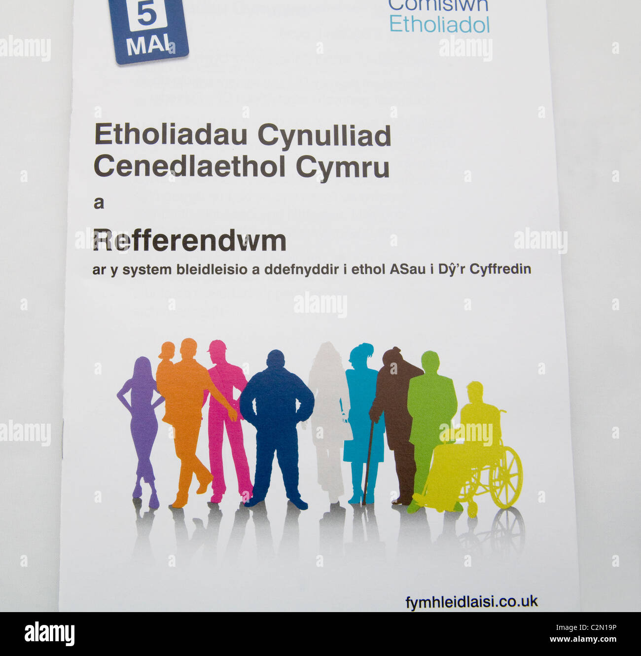 Welsh version booklet containing information guidance on voting for the National Assembly for Wales elections and - Stock Image