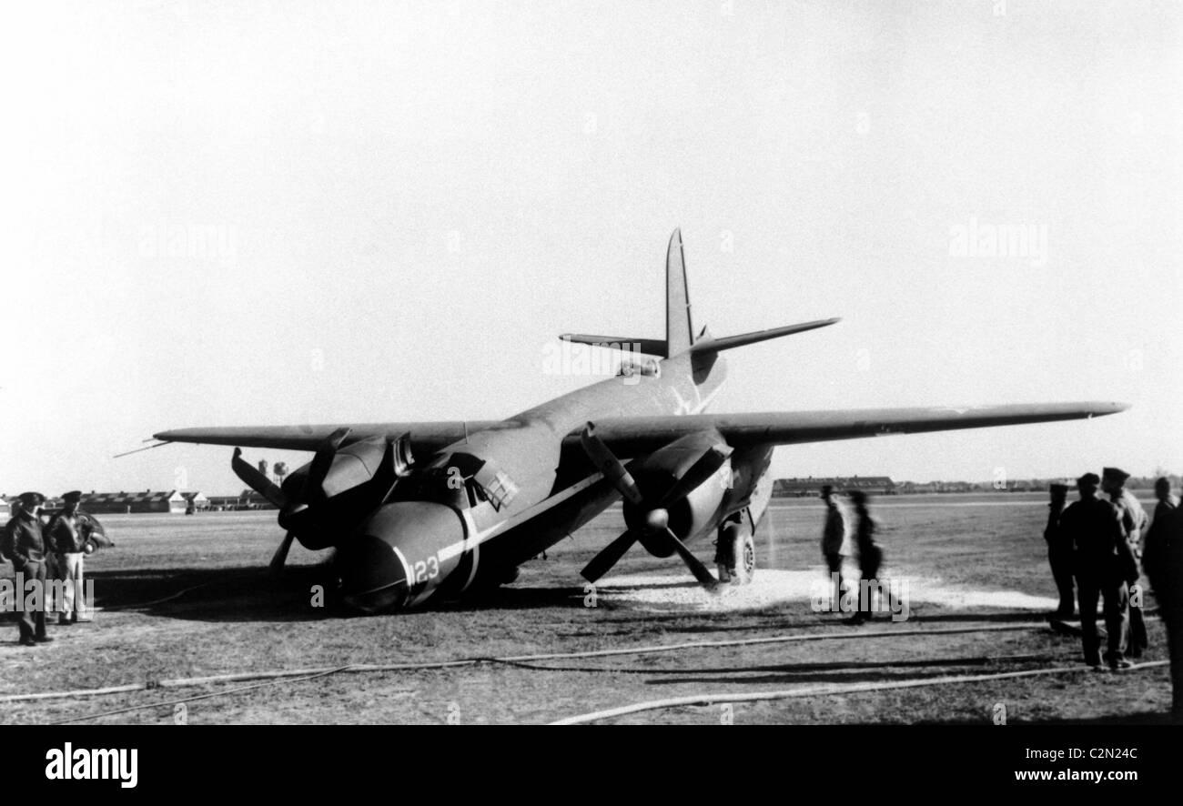 Twin Engine Black And White Stock Photos Images Alamy B 26 Marauder Diagram Martin Aircraft Crash Image