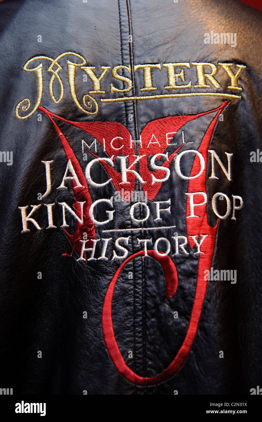 A jacket forms part of the 'Bonhams Entertainment Memorabilia' auction, London, 14th December 2009. - Stock Image