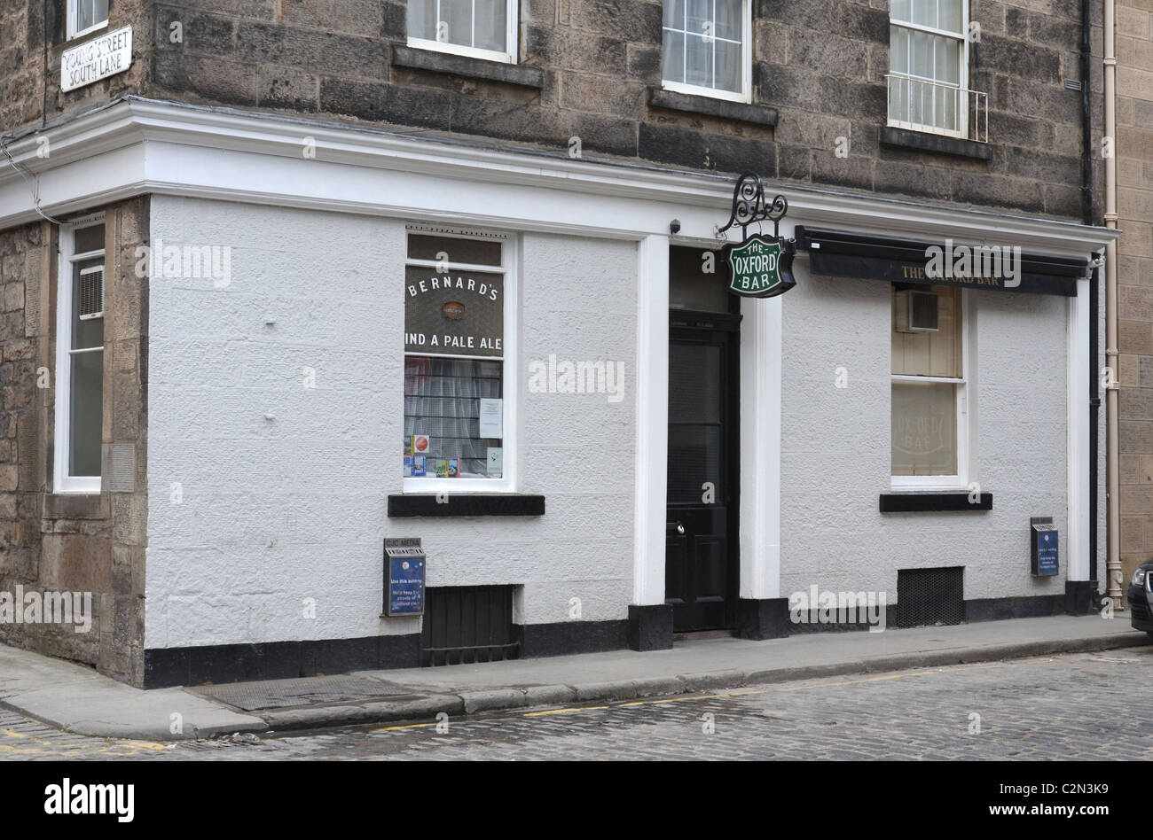 The Oxford Bar in Young Street, the watering hole of Ian Rankin's fictional Inspector Rebus. - Stock Image