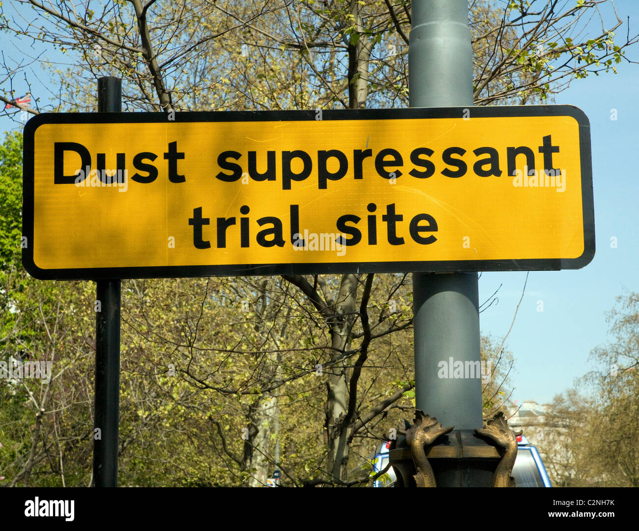 Sign Dust suppressant trial site London The Embankment - Stock Image
