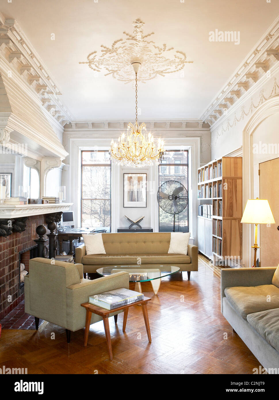 Brooklyn brownstone living room with white painted ceiling mouldings ...