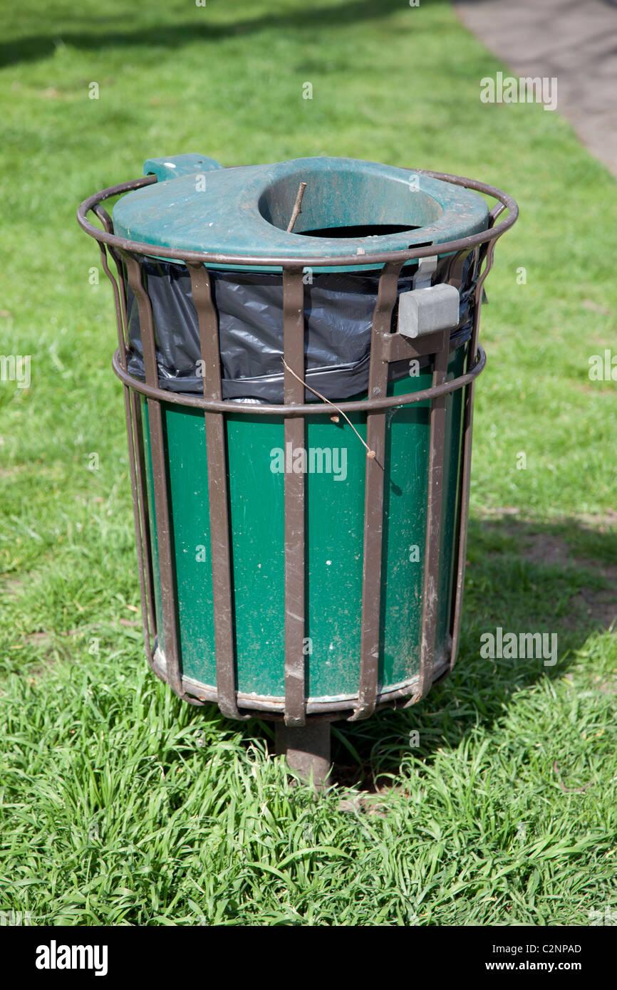 Bin Liner Stock Photos & Bin Liner Stock Images - Alamy