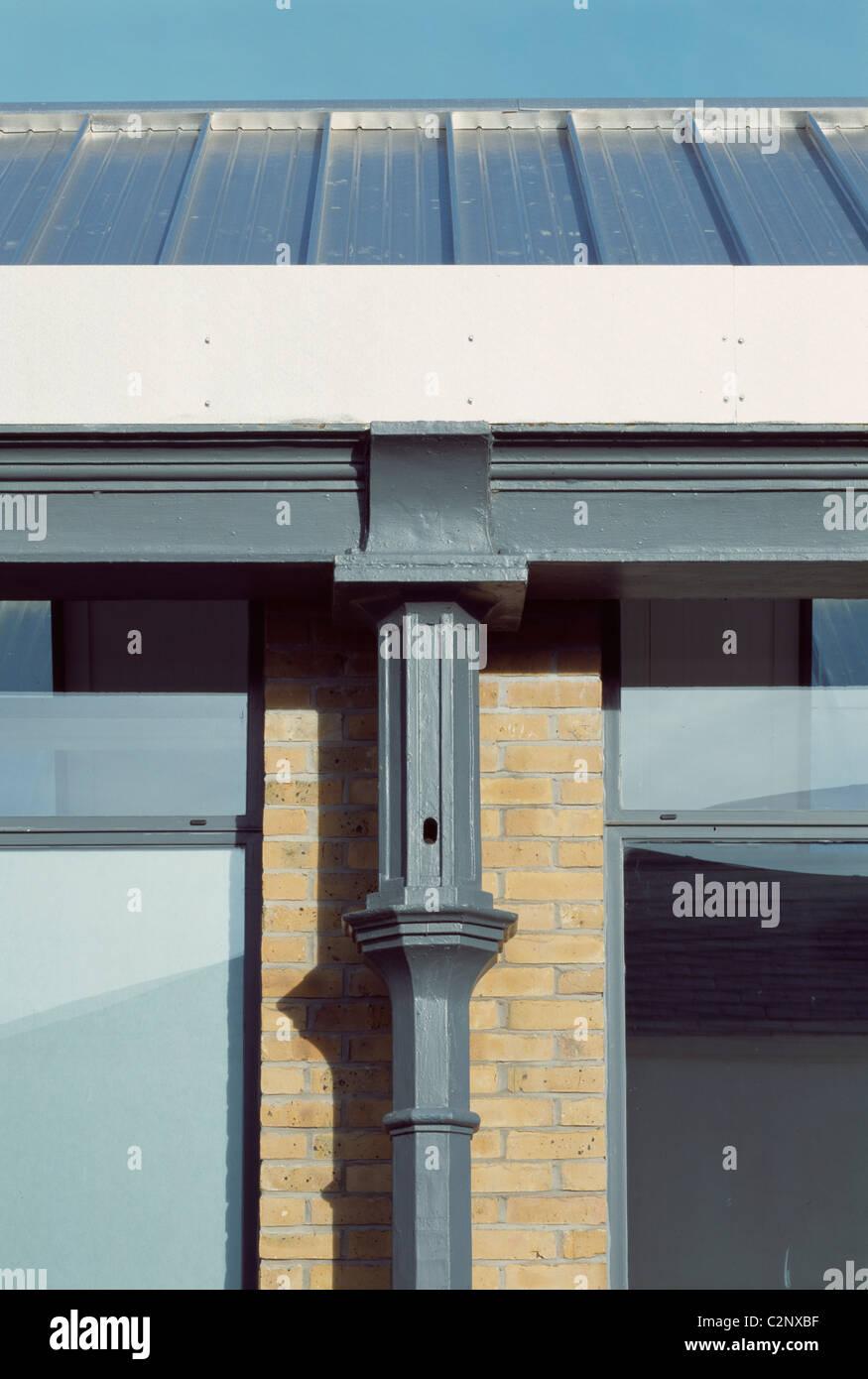 RSA IV Enfield, London. Roof Column detail. - Stock Image