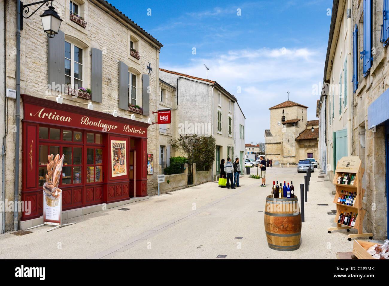 Shops in the village centre, Coulon, Marais Poitevin, Poitou Charentes, France - Stock Image