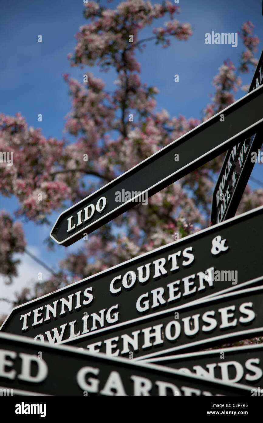 Black cast iron signs signposts in Brockwell Park - Stock Image