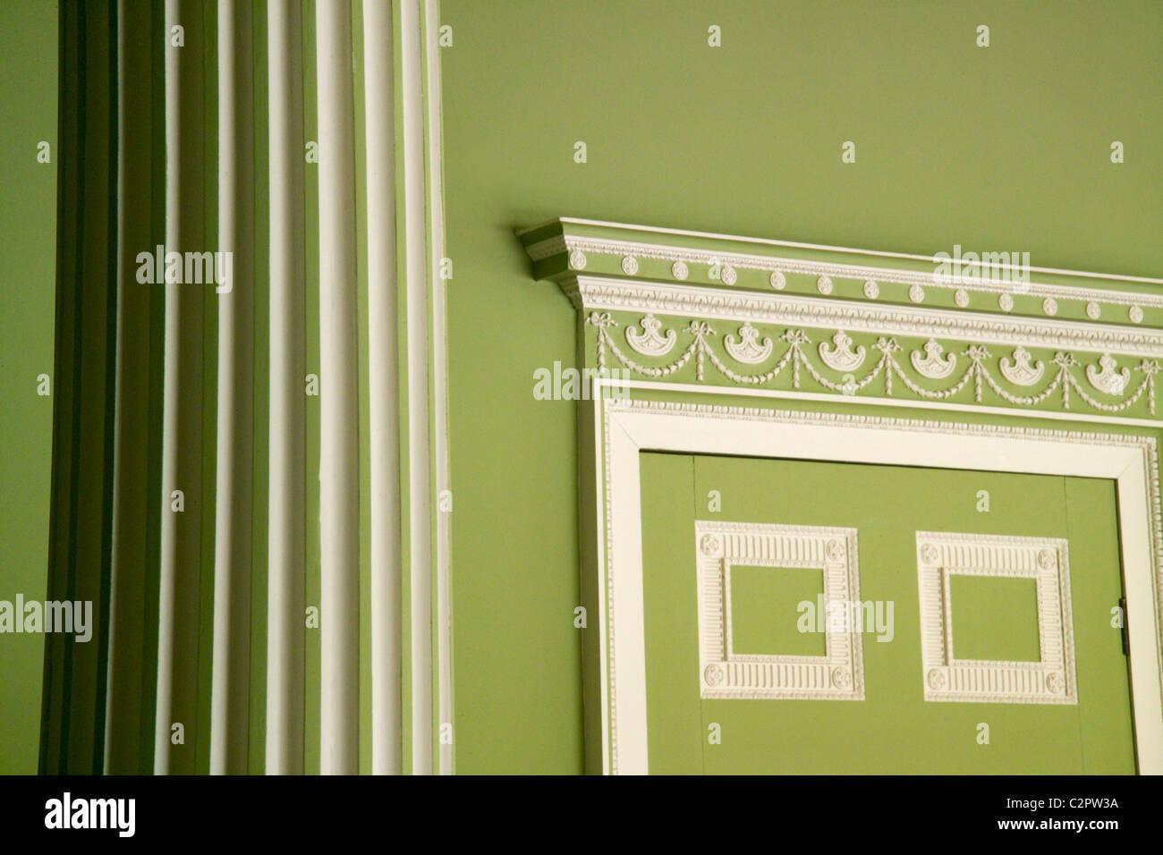 Decorative Moldings Stock Photos & Decorative Moldings Stock Images ...
