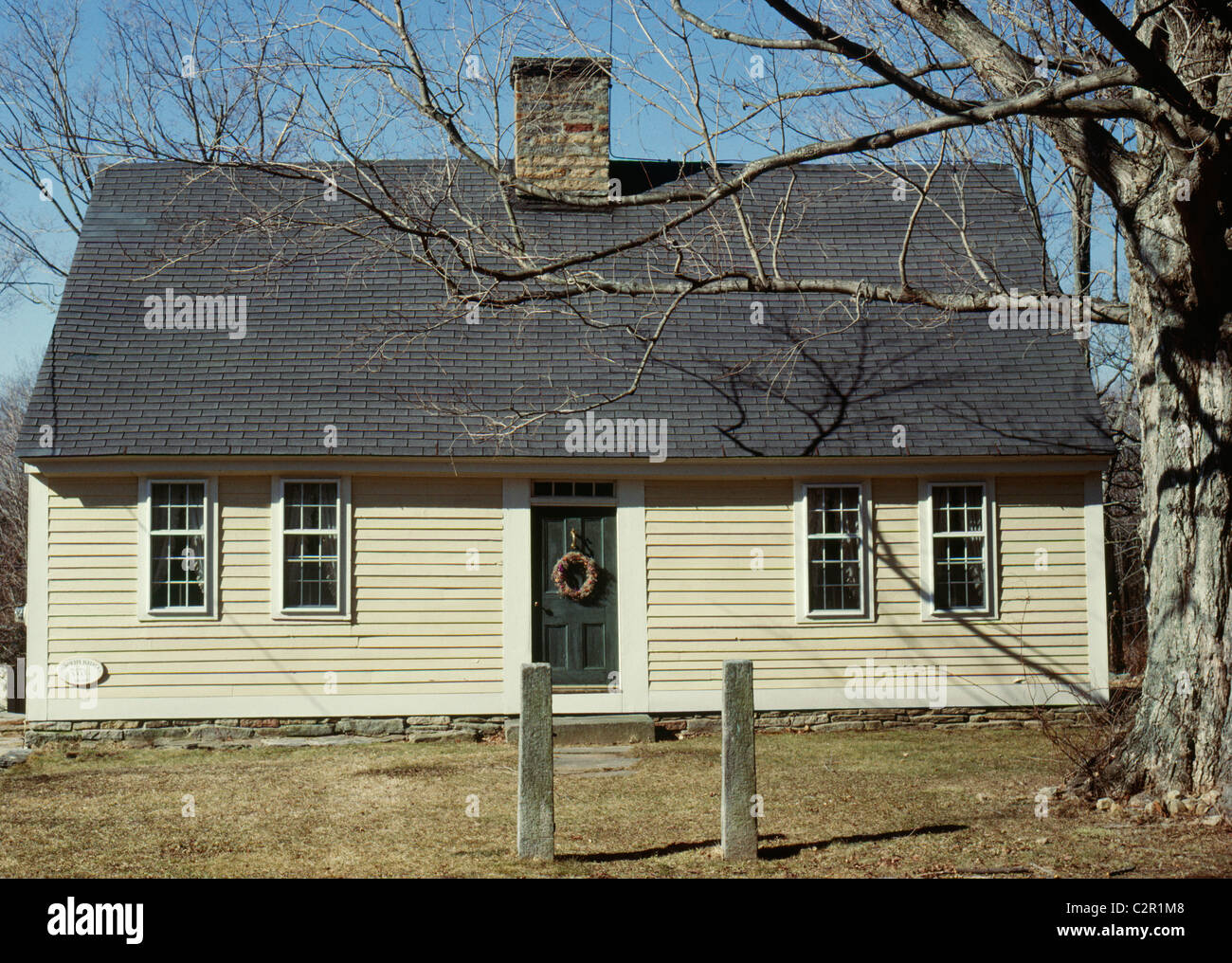 Pearson House, Cape Cod style, single storey colonial house, central chimney, clapboard. Lyme, Connecticut, New Stock Photo