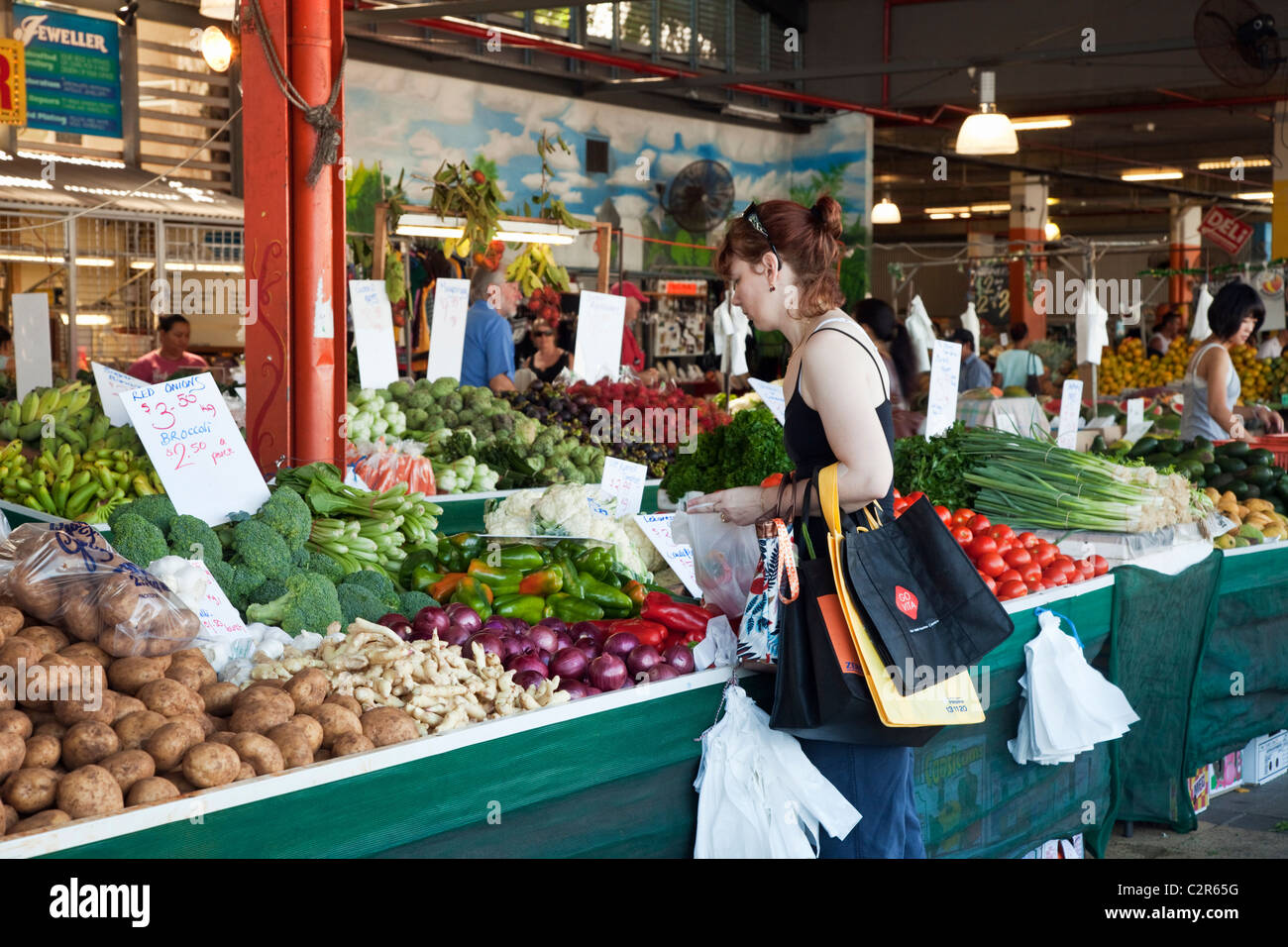 Shopping for fresh produce at Rusty's Markets. Cairns, Queensland, Australia - Stock Image