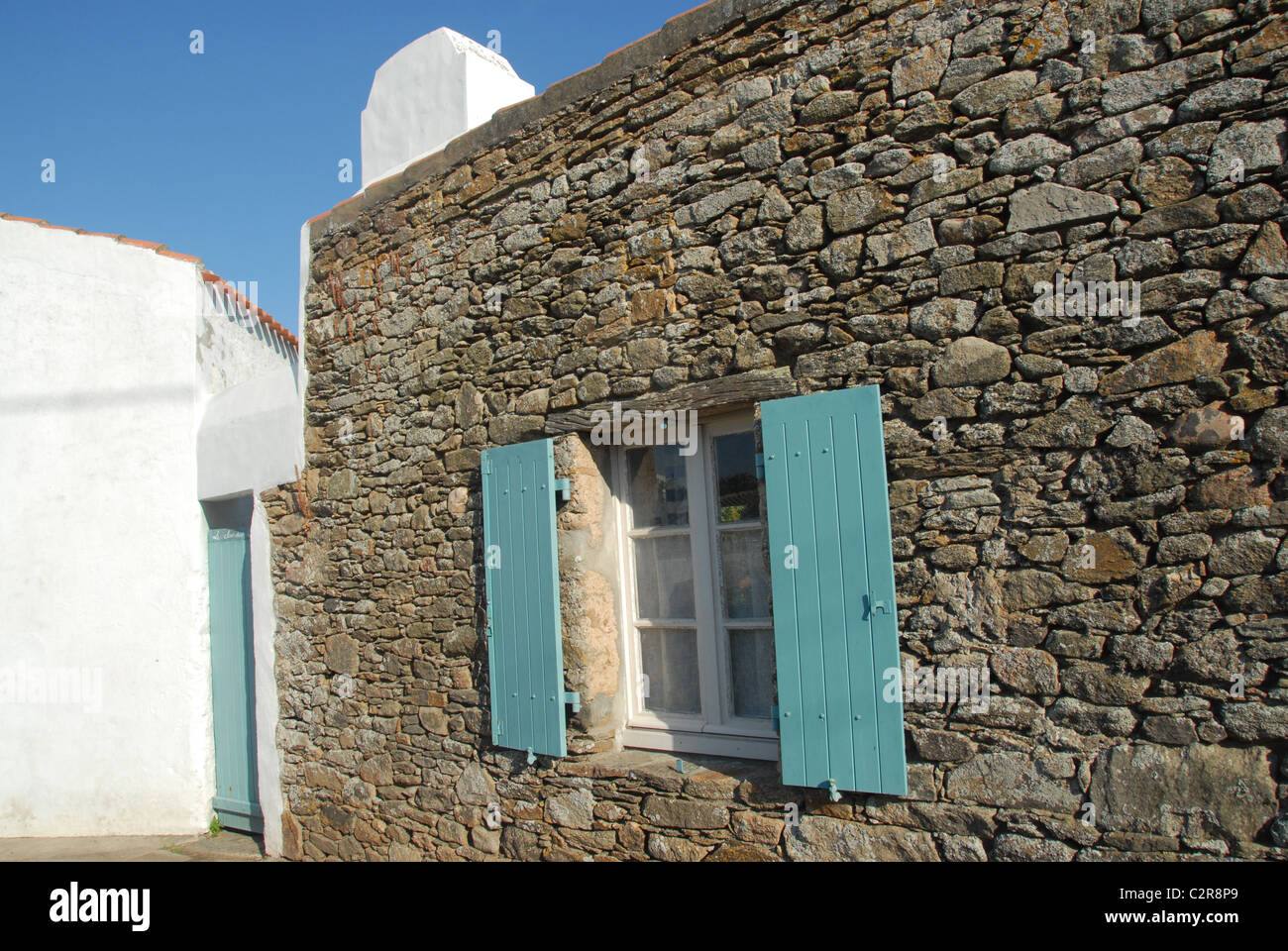 Traditional natural stone home at Ker Mercier on the French Atlantic island of Île d'Yeu in Vendée - Stock Image