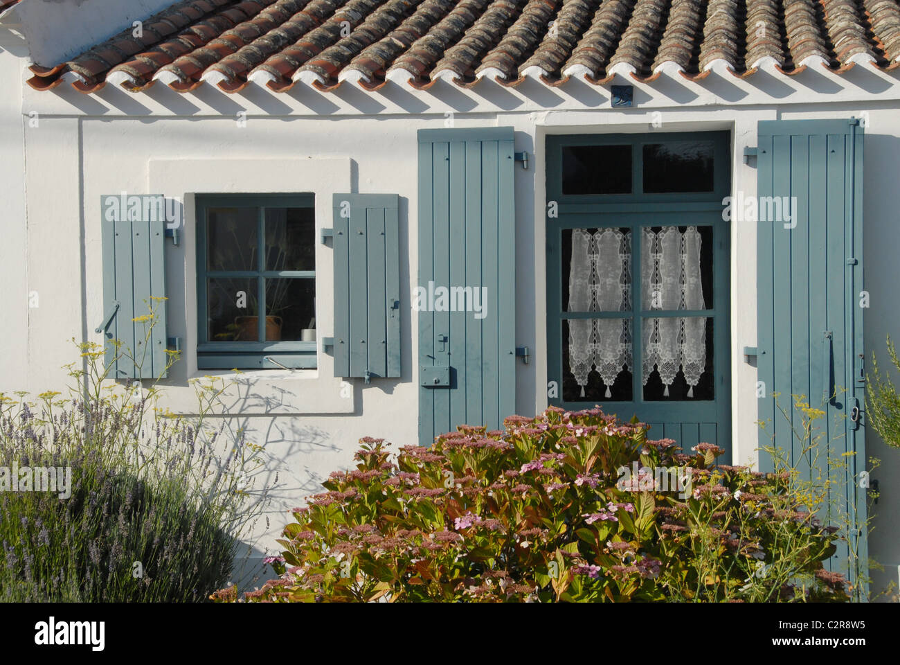 Typical island house in Ker Mercier on the French Atlantic island of Île d'Yeu in Vendée - Stock Image