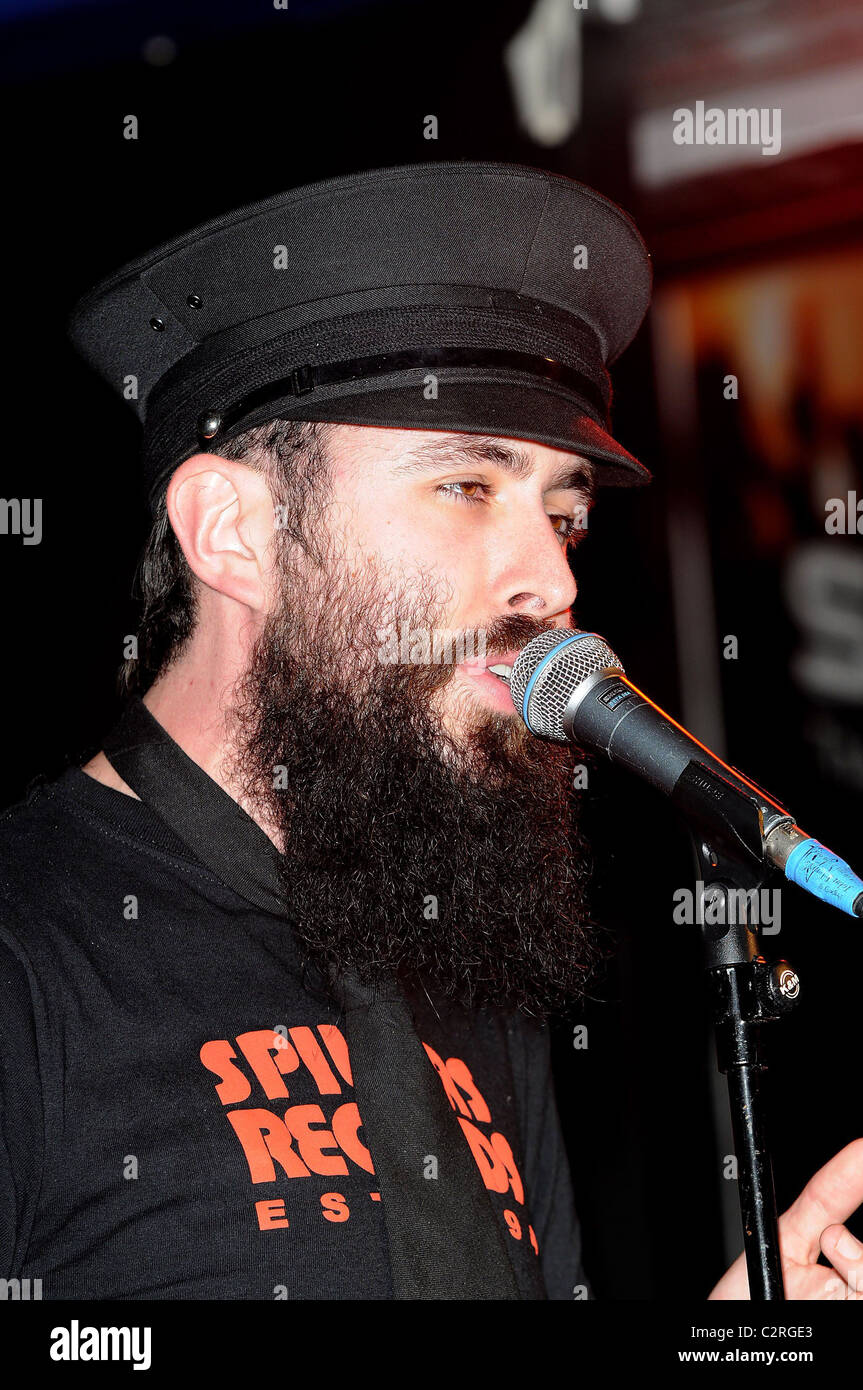 Dan Le Sac Vs Scroobius Pip performing at Zavvi, Oxford Street London, England - 13.05.08 Stock Photo