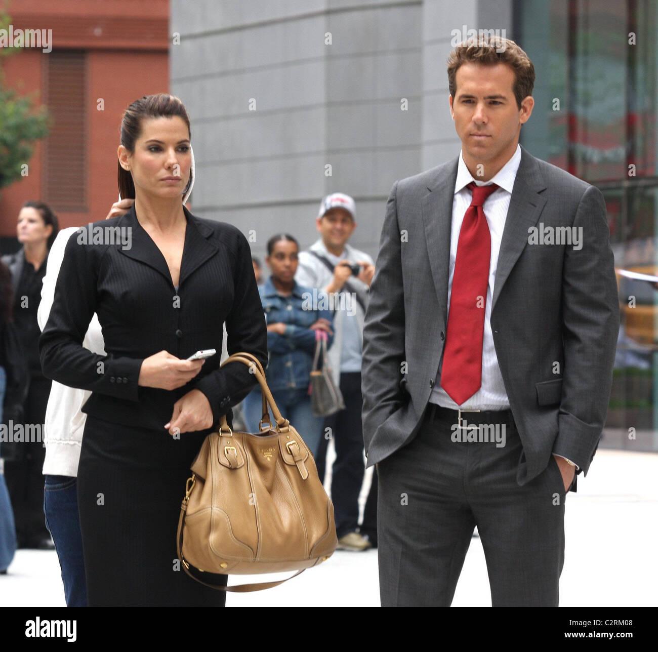 Sandra Bullock And Ryan Reynolds On The Film Set Of 'The