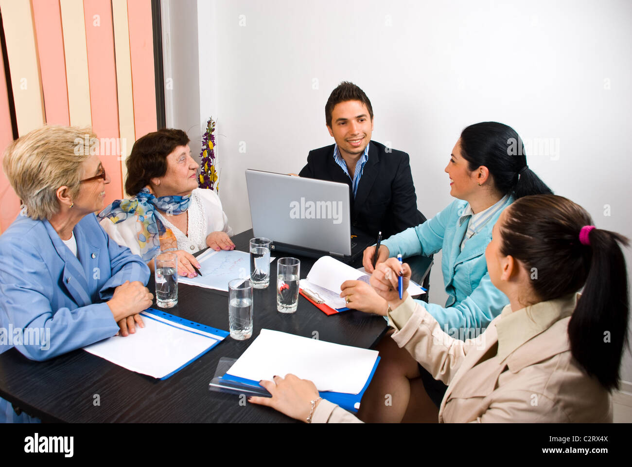 Fine Coworkers Having Discussion Around Conference Stock Photos Beutiful Home Inspiration Ommitmahrainfo