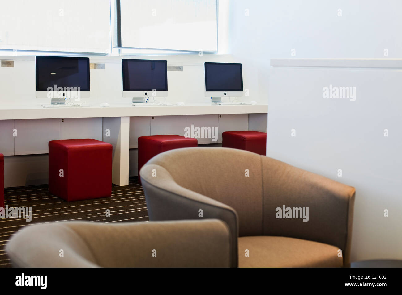 Internet point at Qantas Club Lounge. Cairns Domestic Airport, Cairns, Queensland, Australia - Stock Image
