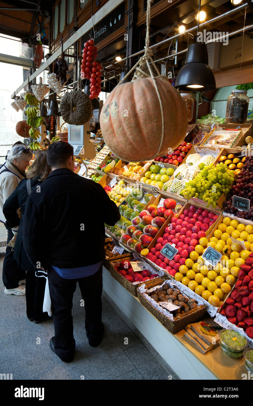Fresh fruit for sale in market, Mercado de San Miquel, Madrid, Spain, Europe, EU, - Stock Image