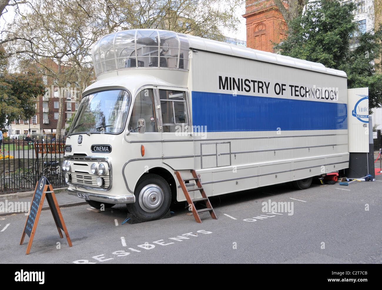 Mobile Cinema Soho square Ministry of Technology films movies 1950s - Stock Image