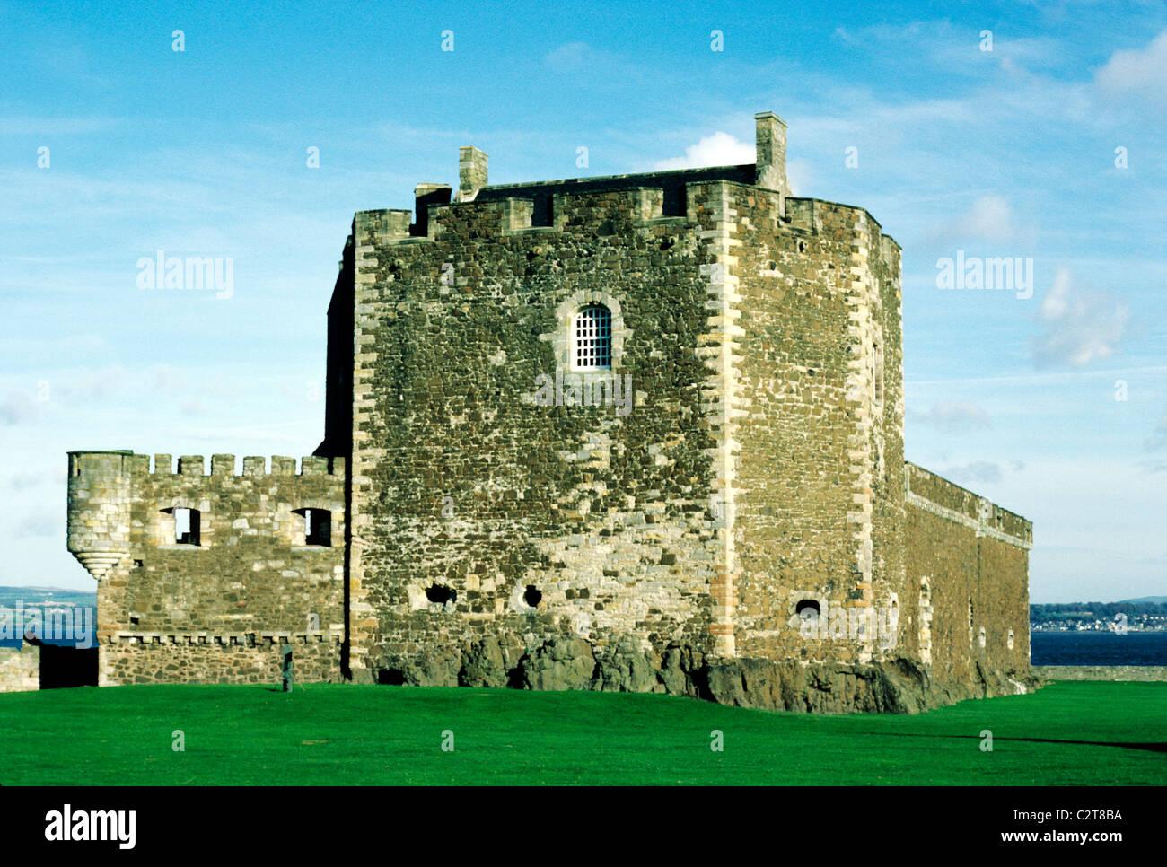Blackness Castle, Firth of Forth, Scotland Scottish 15th century medieval castles coast UK - Stock Image