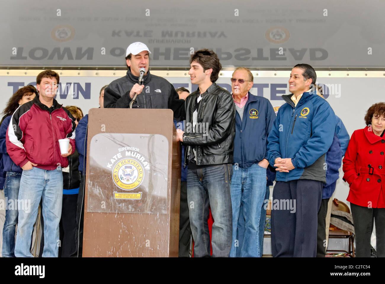 APRIL 16, 2011 - MERRICK, NY: Robbie Rosen, American Idol contestant, honored by Nassau County Executive Ed Mangano - Stock Image