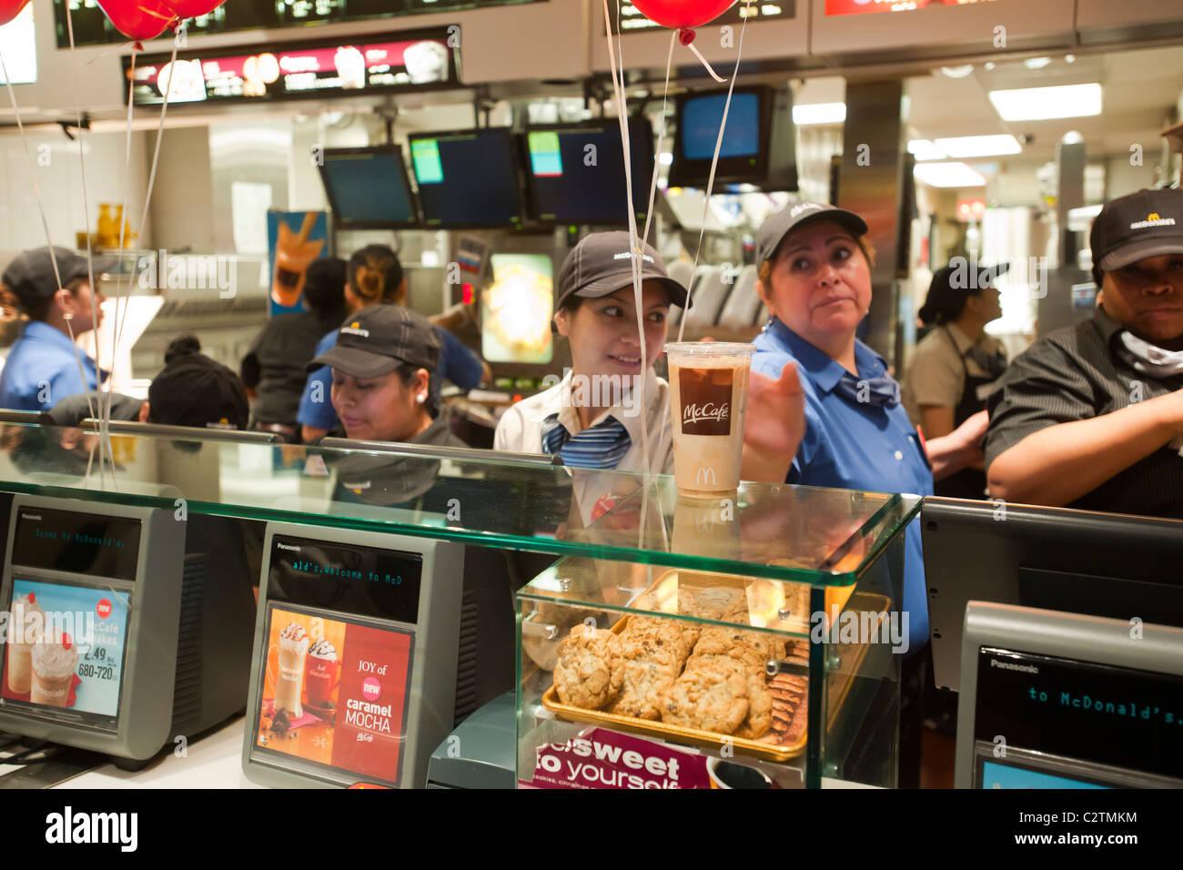 detroit mcdonalds customers say - HD1300×956