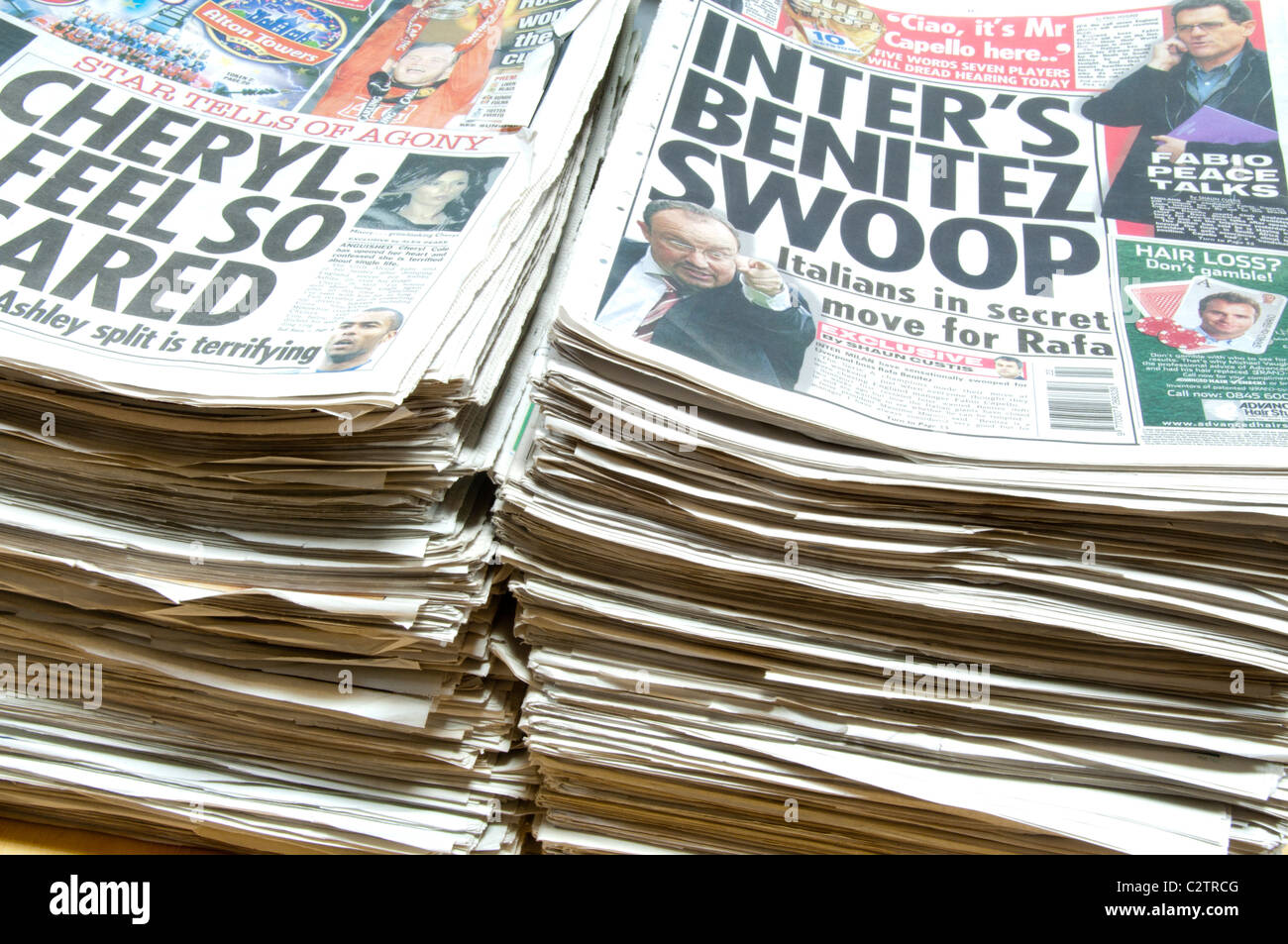 Pile of old newspapers - Stock Image