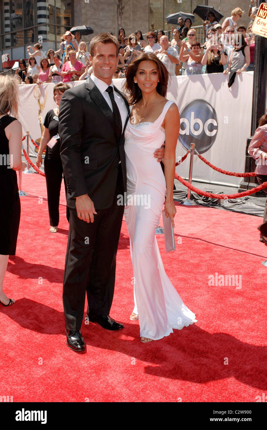 Vanessa Arevalo High Resolution Stock Photography And Images Alamy Not many women can withstand the. https www alamy com stock photo cameron mathison and his wife vanessa arevalo 35th annual daytime 36205904 html