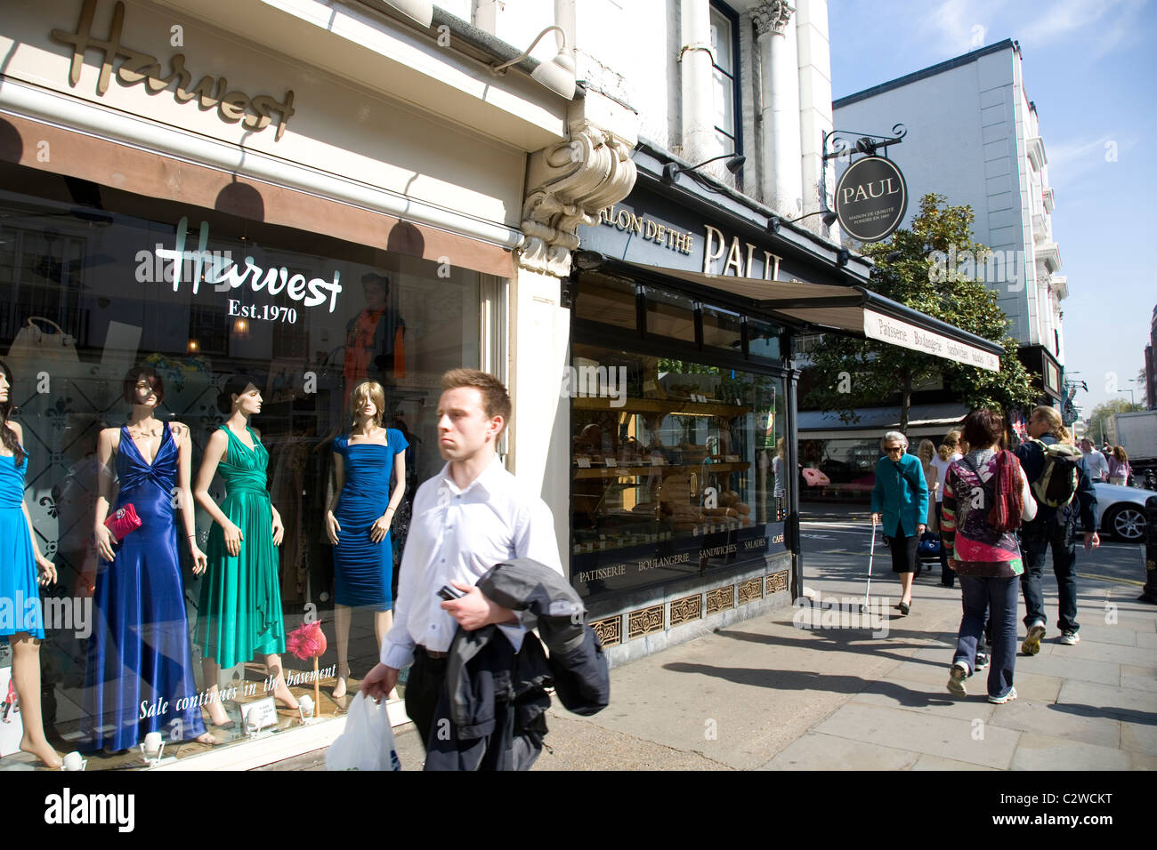 Pedestrians And Shops On Kings Road In Chelsea London Stock Photo Alamy