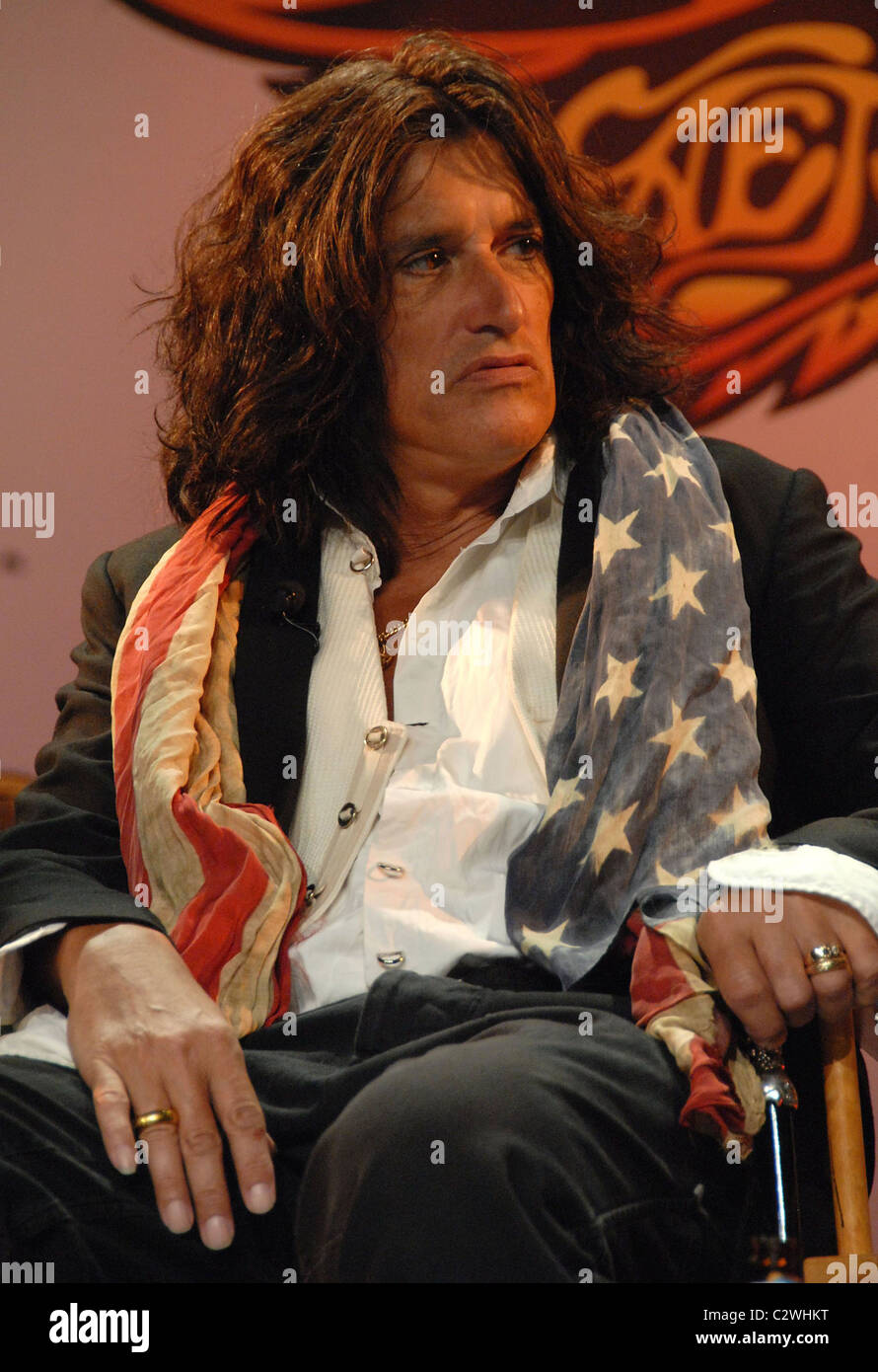 Joe Perry Aerosmith launch the new video game 'Guitar Hero: Aerosmith' at Hard Rock cafe New York City, - Stock Image