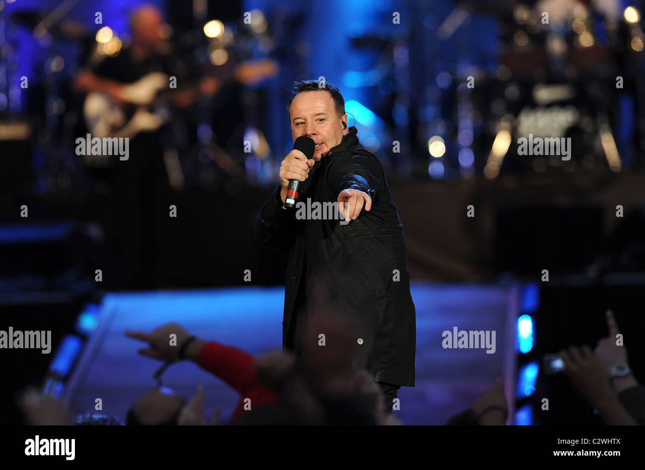 Jim Kerr of Simple Minds The Nelson Mandela's 90th Birthday concert '46664' in Hyde Park. London, England - Stock Image