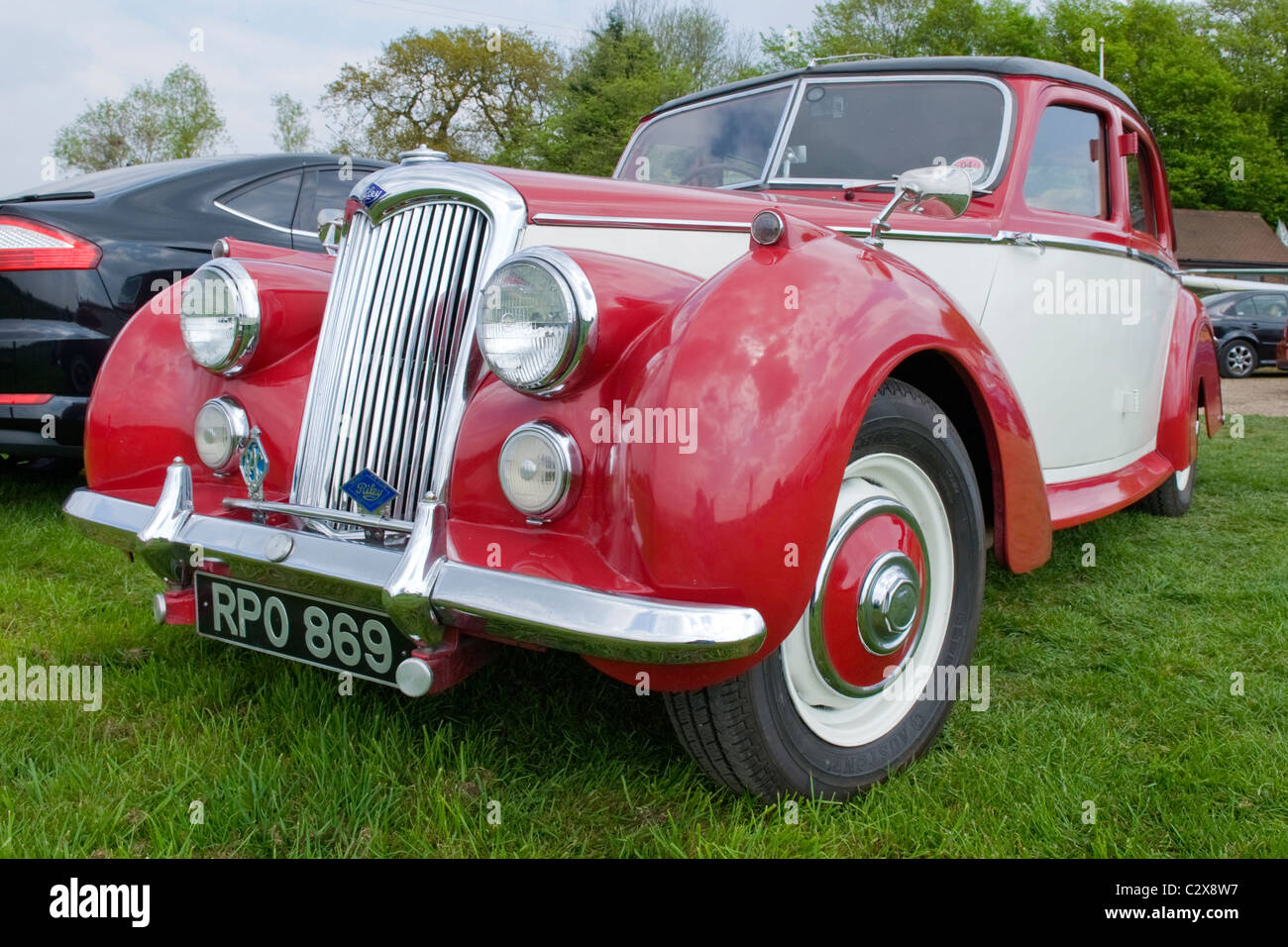 de Havilland Aircraft Heritage Centre Museum , Morris Cars Day , 1954 Riley 4dr RME 1.5l in original red & white - Stock Image