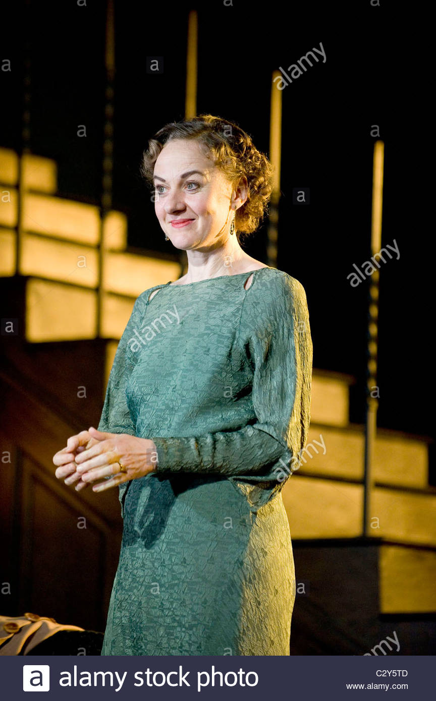 Cause Celebre by Terence Rattigan directed by Thea Sharrock. - Stock Image