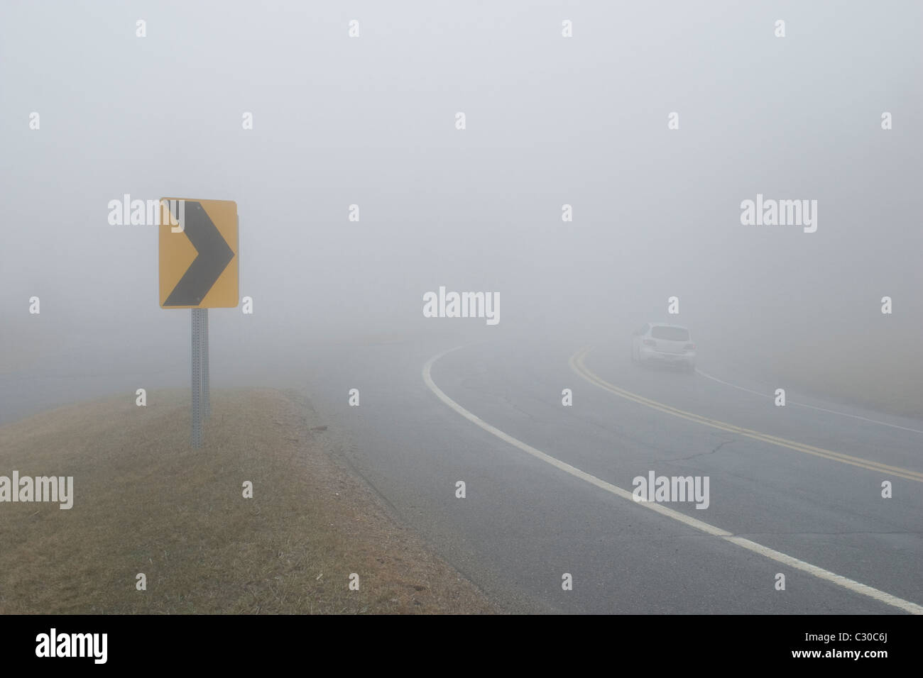 A dangerous spring fog obscures the Mohawk Trail, Route 2, in North Adams, Massachusetts - Stock Image