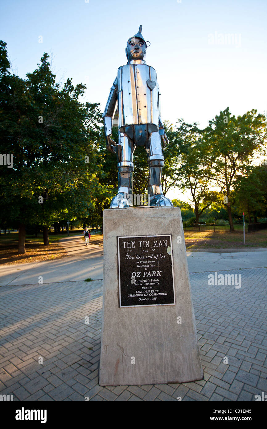 Statue of the Tin Man from the Wizard of Oz in Oz Park in Chicago, IL, USA. - Stock Image