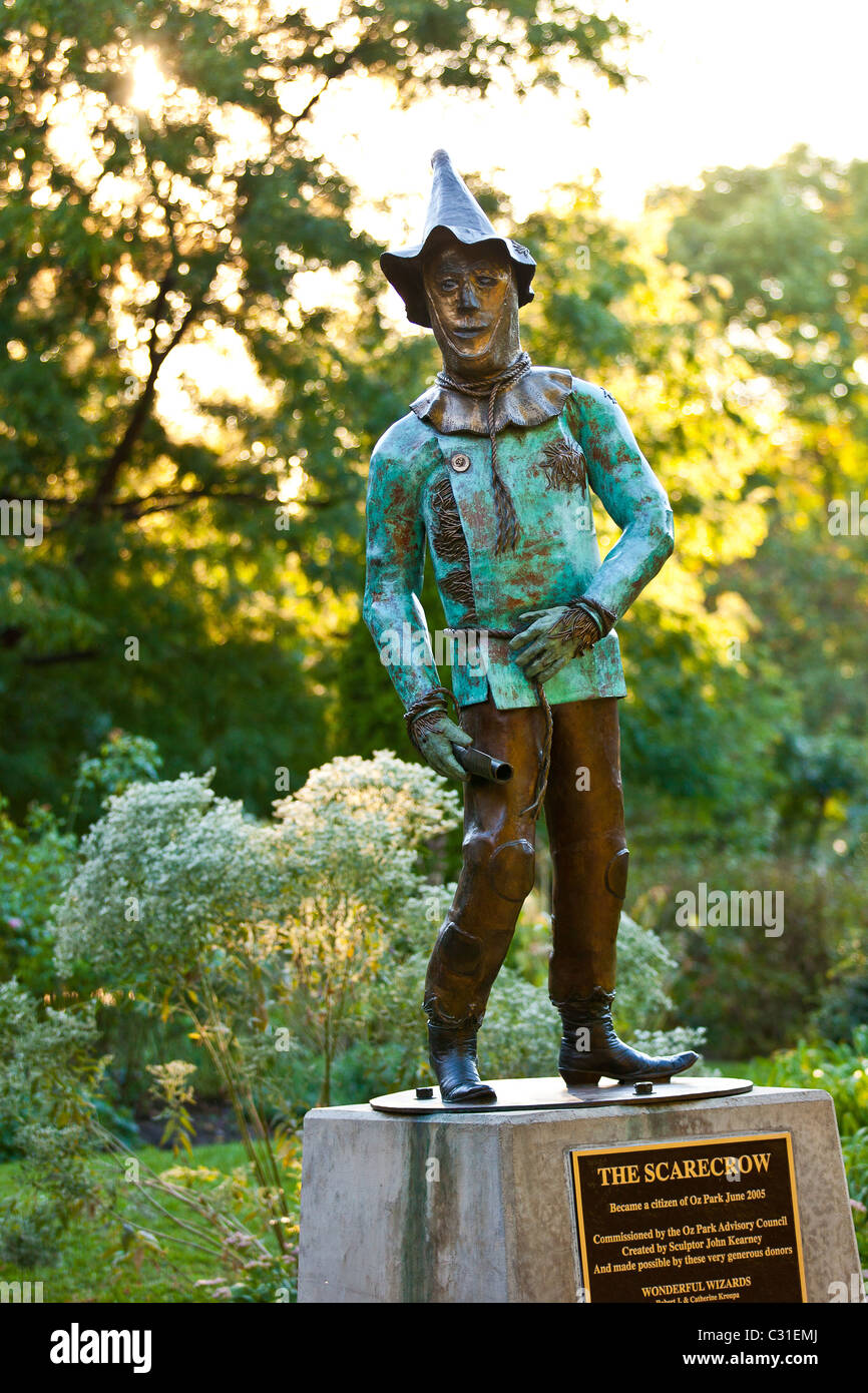 Statue of the Scarecrow from the Wizard of Oz in Oz Park in Chicago, IL, USA. - Stock Image