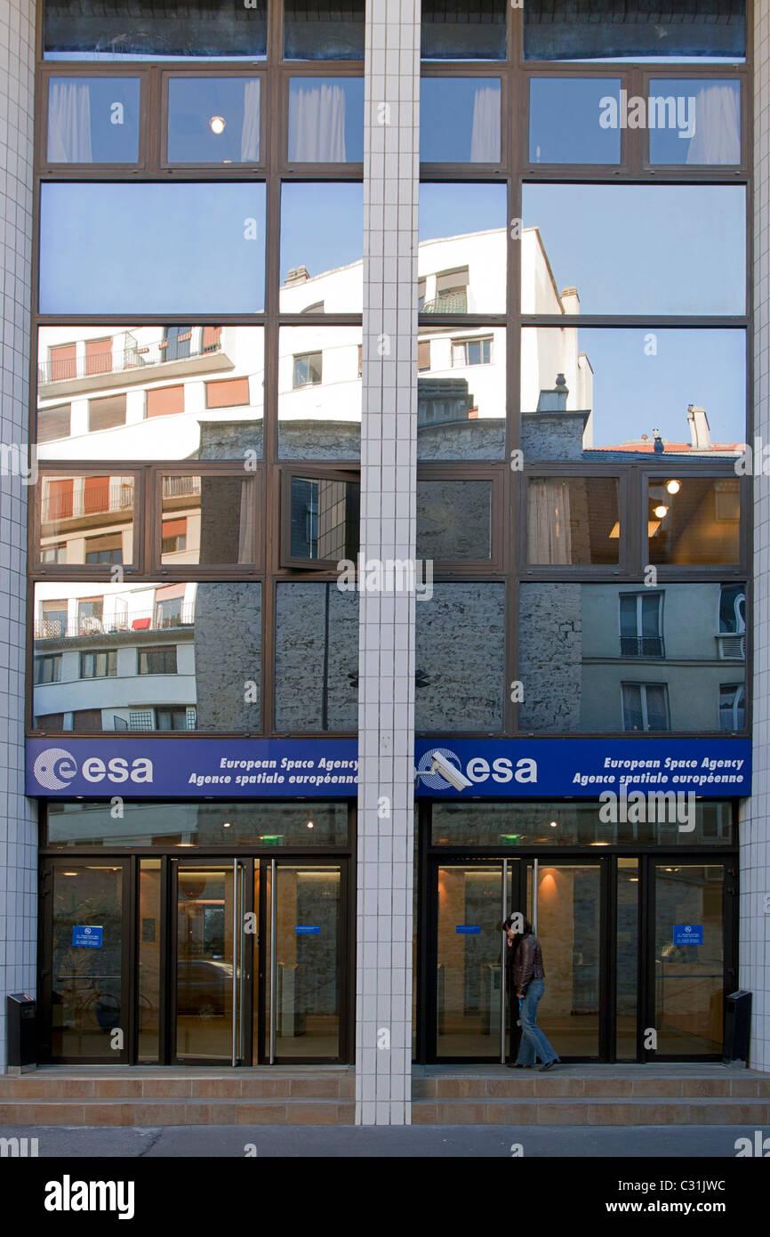 FAÇADE OF THE HEADQUARTERS OF ESA, THE EUROPEAN SPACE AGENCY, PARIS, FRANCE - Stock Image