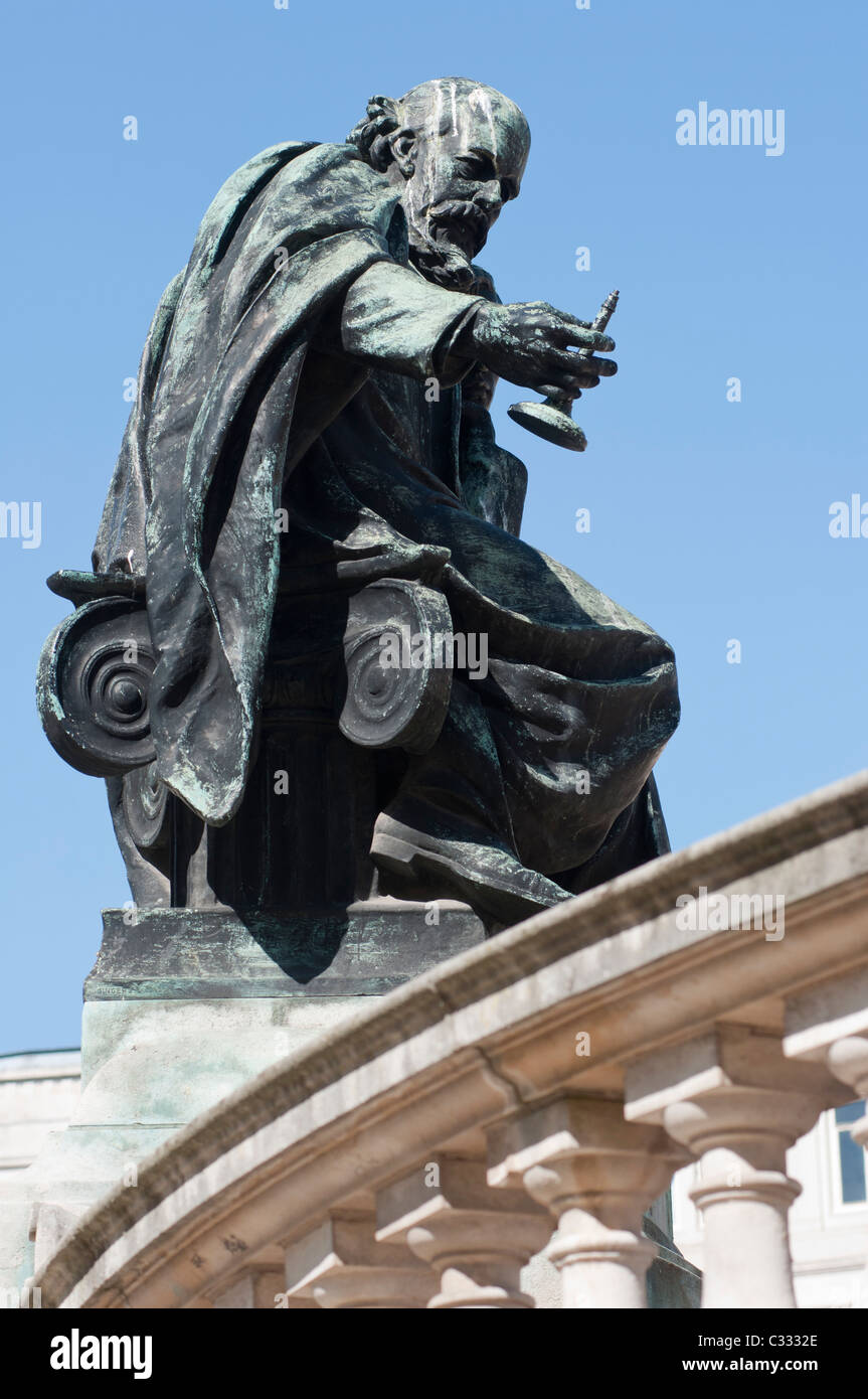 A statue at the Victoria Memorial in Derby Square in central Liverpool, England. - Stock Image