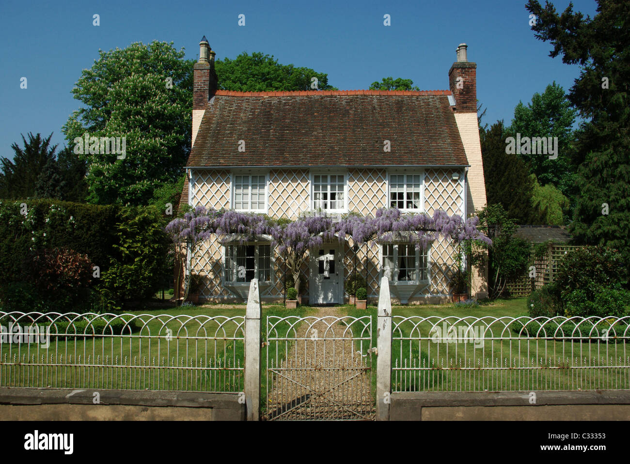 A picturesque house in the village of Old Warden, Bedfordshire, UK Stock Photo