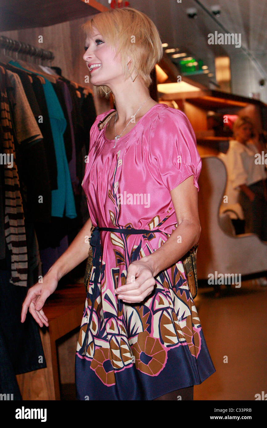 Paris Hilton Out Shopping With Her New Haircut At Arcade She Caused