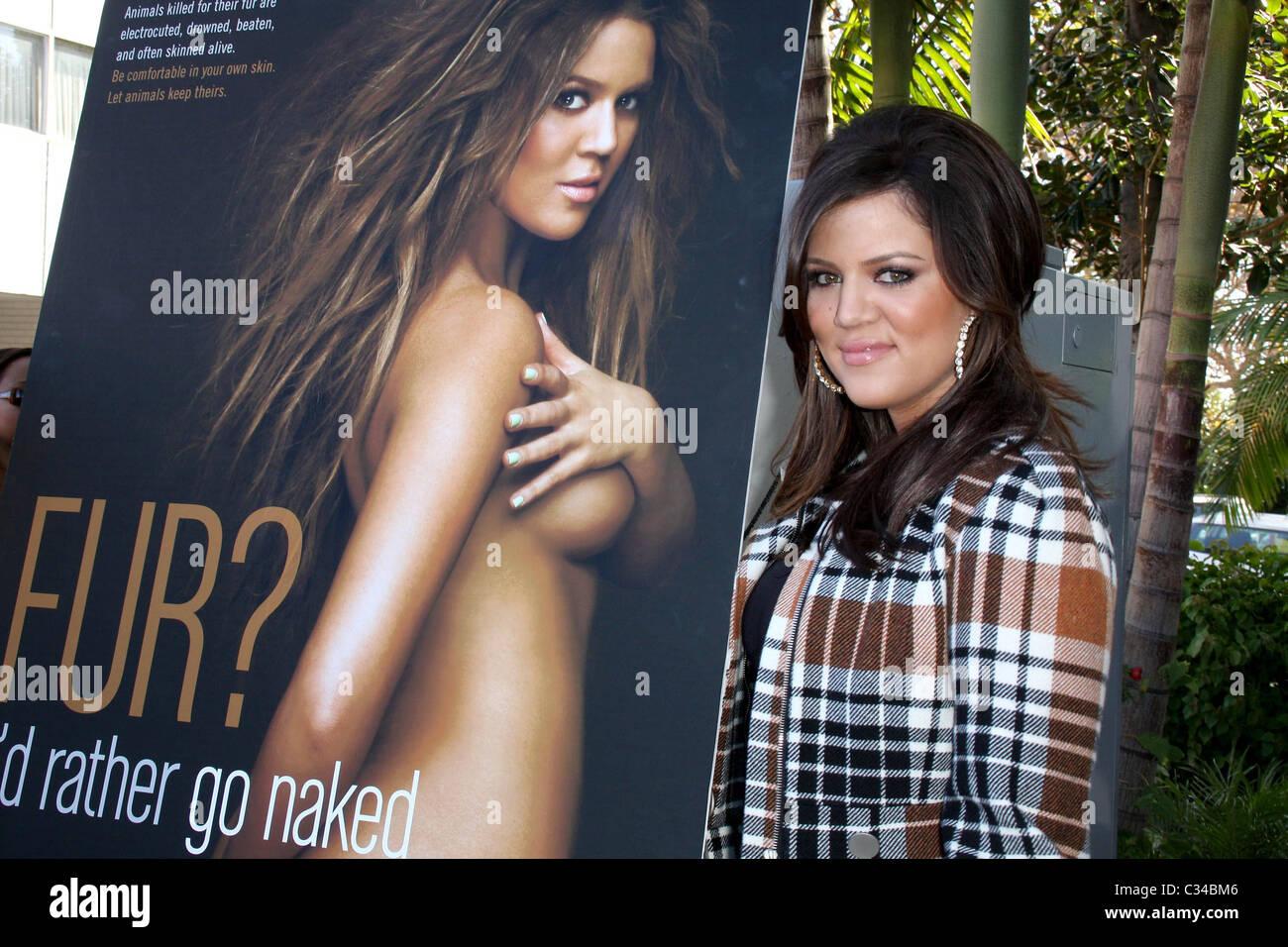 khloe-kardashian-id-rather-go-nude