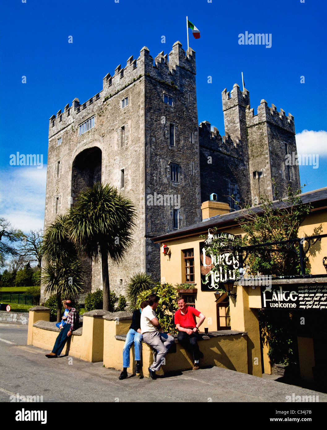 Bunratty, Co Clare, Ireland, Durty Nelly's Pub - Stock Image