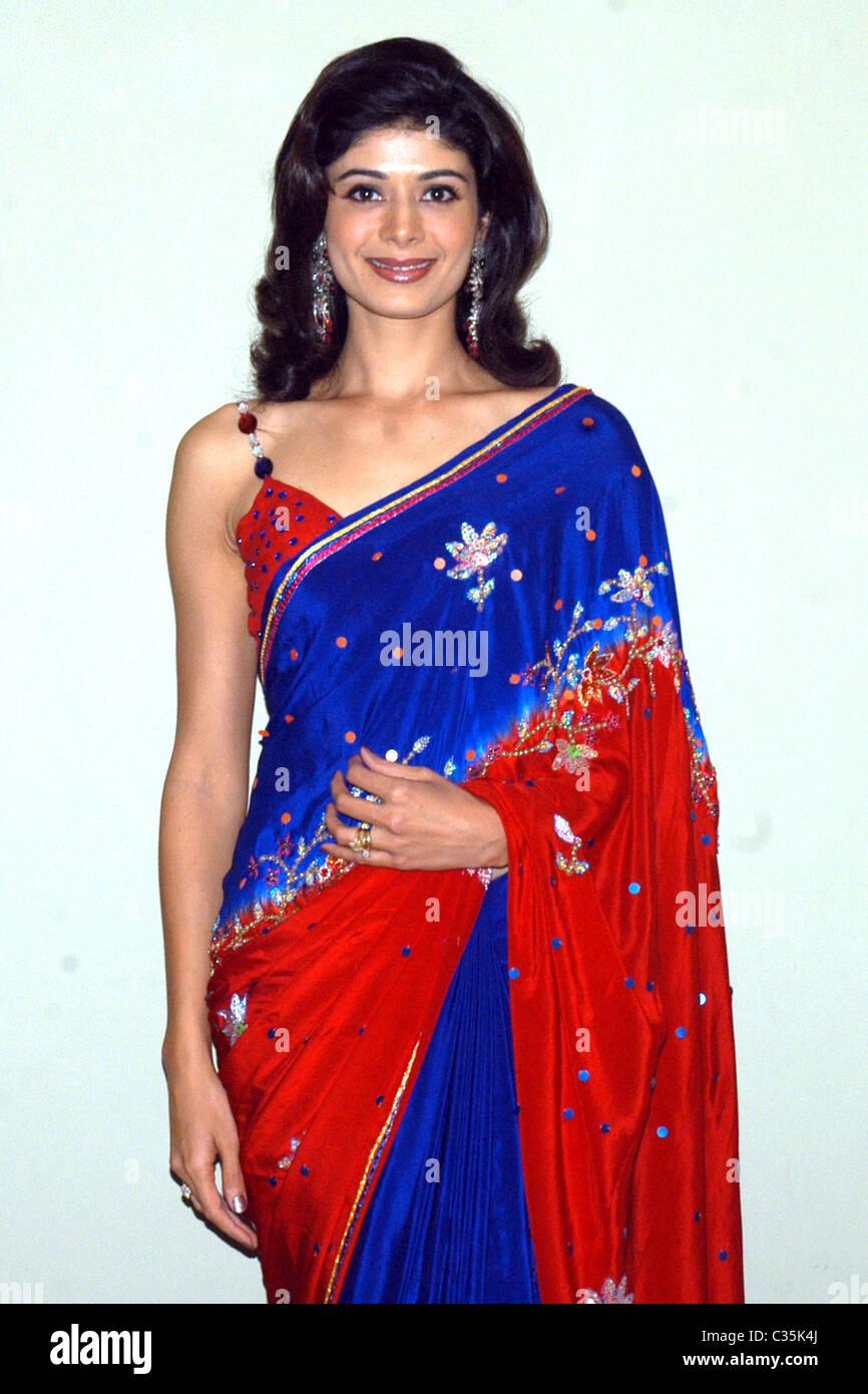 Pooja Batra Nude Photos 57